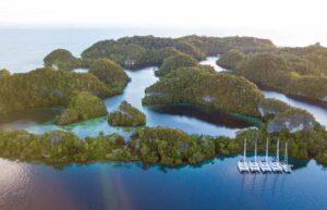 Sailing_holiday_raja_ampat